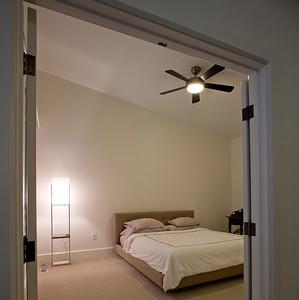 thumbnail_b-bedroom