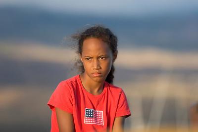Kaunakakai, girl at the harbour