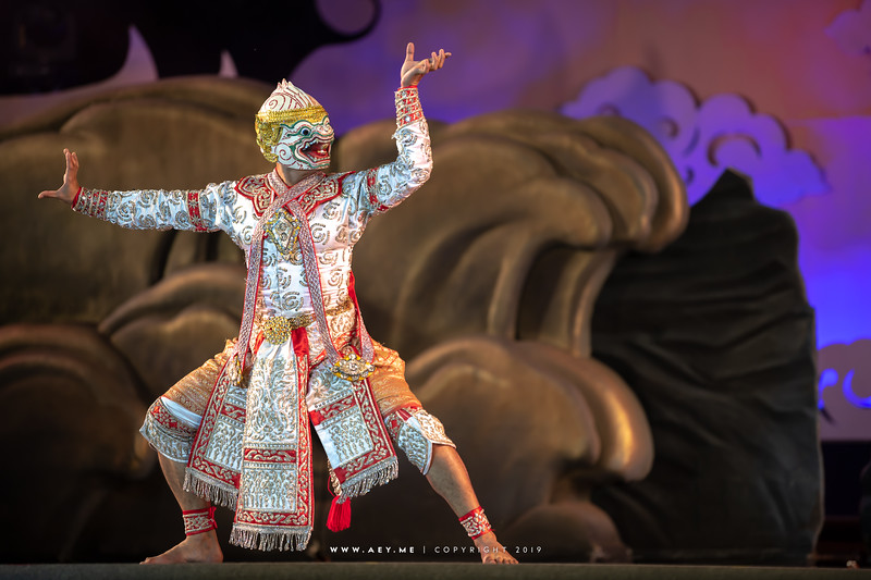 "Khon Performance ""Kumbhakarna Blocks the River"""