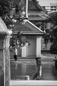 Buddhist Monk at Wat Suthat Thepwararam