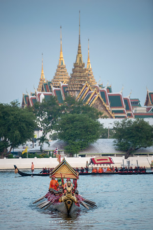 Barge Krabi Ran Ron Rap and the Grand Palace
