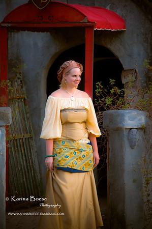 DSC_2187 renaissance festival lady haunted castle 2009 1