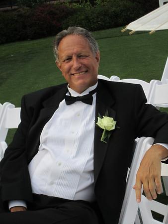 Father of the groom, Robert Roman