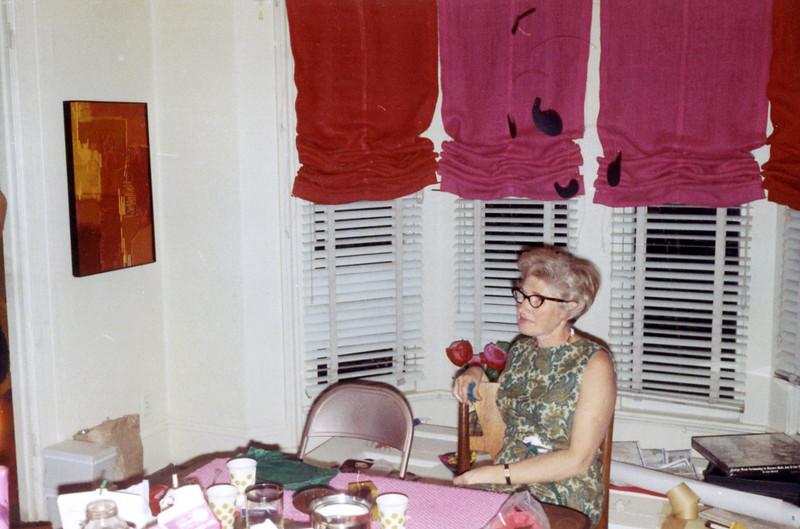 Helen Abuza