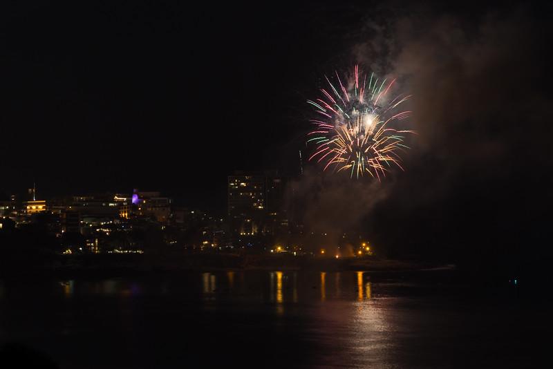 La Jolla Fireworks 2014-9817.jpg