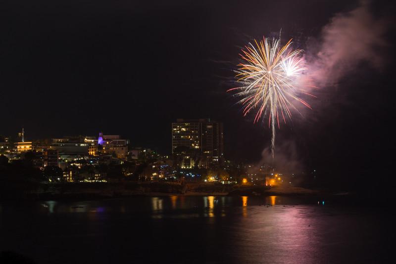 La Jolla Fireworks 2014-9652.jpg