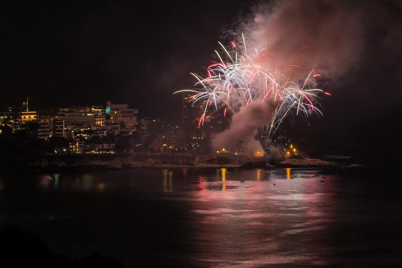 La Jolla Fireworks 2014-9842.jpg