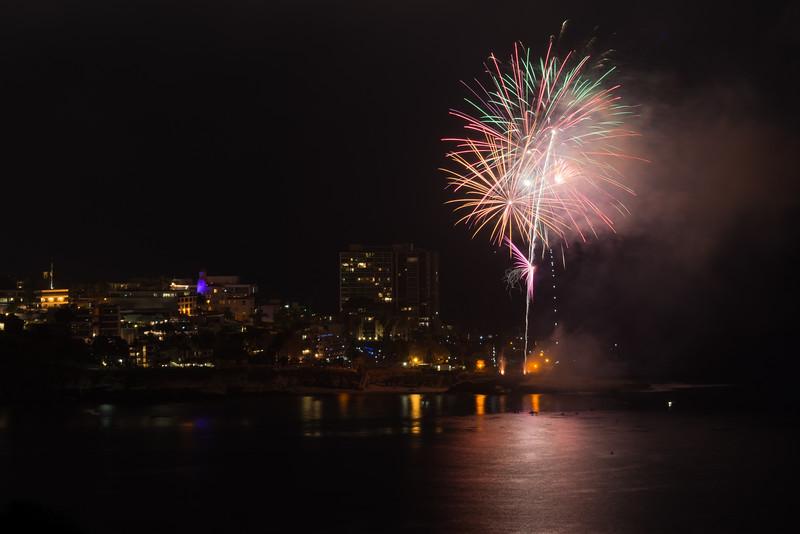 La Jolla Fireworks 2014-9657.jpg