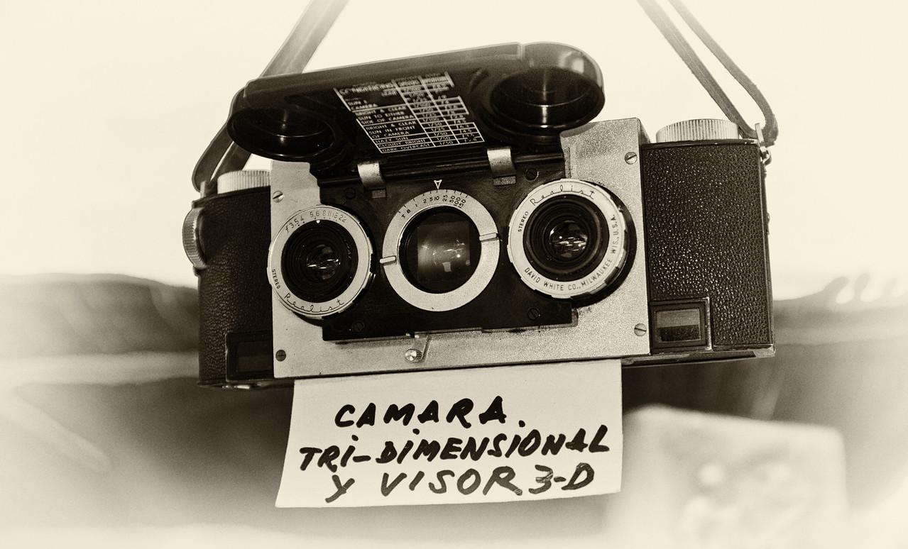 1940's David White Co. Stereo Realist Camera in Buenos Aires flea market