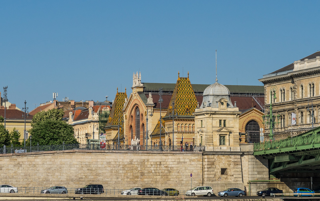Great Market Hall from Danube