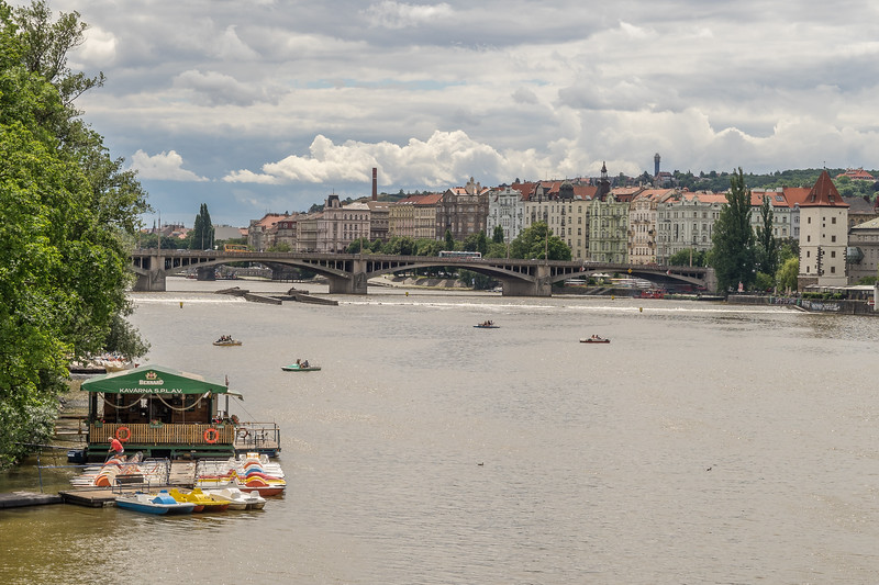 Manes Bridge, Prague