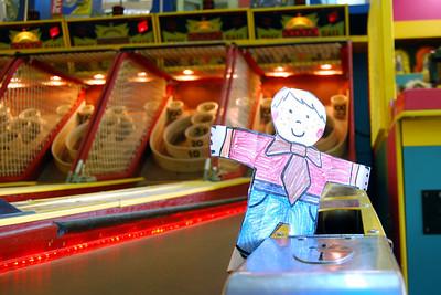 015 Flat Stanley playing SkeeBall in Daytona Beach