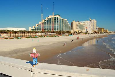 013 Flat Stanley on Daytona Beach Main St Pier