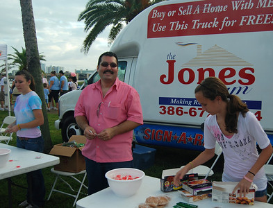 029 Jones Team Realty and VIP Printing Booth