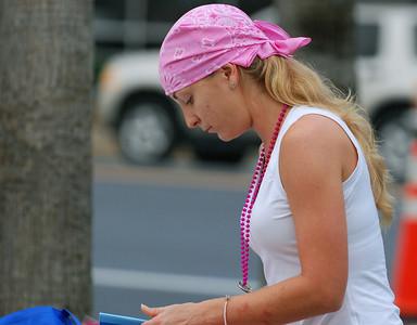 016 Girl Wearing Pink Head Wrap