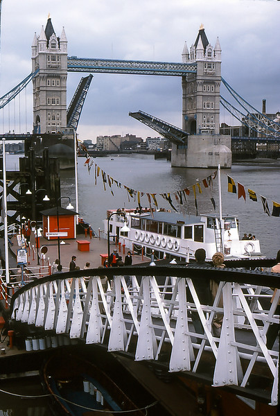London Bridge, London England, 1977