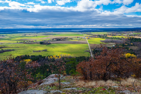 Ottawa Valley wearing fall colors