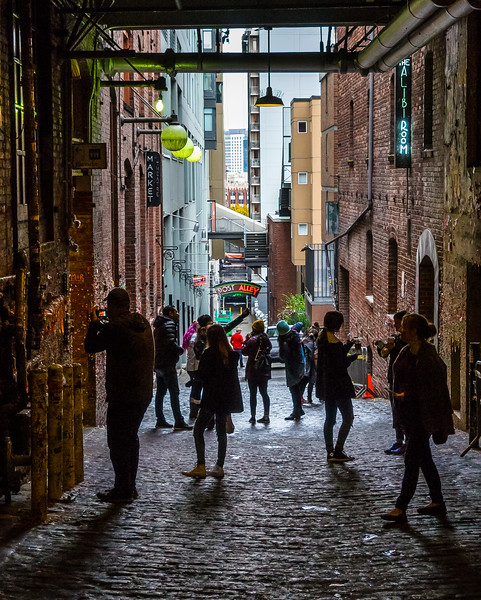Gum Wall visitors, Post Alley, Seattle