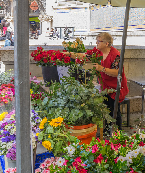 Valencia, Plaza del Mercado flower vendor