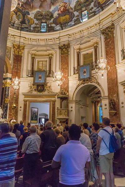 Valencia, Inside the Bascilica