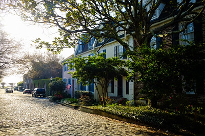 Cobblestone Streets and mansions in Charleston