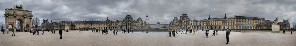 The Louvre Museum 180°