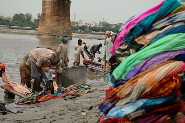 Hand-Washing Saris<br /> Banks of the Yamuna River<br /> Agra, Uttar Pradesh