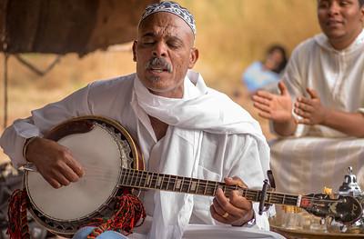 Musician in Tamnougalt