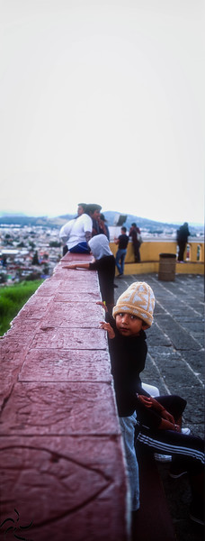 Curious kid - Cholula - Mexico