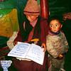 Непал. Тзум - одна из восьми наиболее известных «скрытых» долин, расположенных вдоль южных границ Тибета. Название образовано от тибетского слова «Тзомбо», что значит «живая». (Неупокоева Надежда). Фото - Валерий Гаркалн