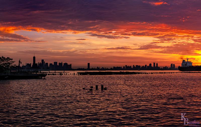 DSC_4728 NY bay at dawn