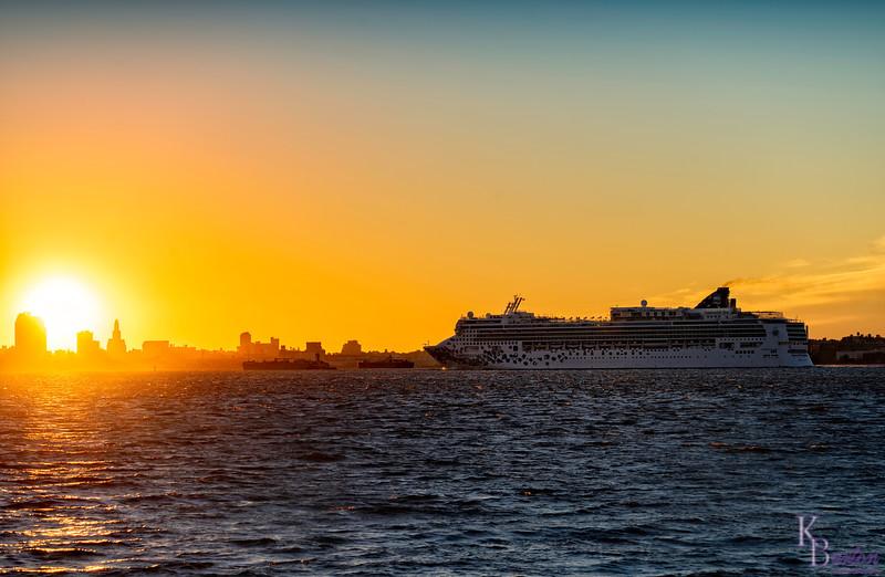 DSC_6334 the Gem sets sail at dawn (2)