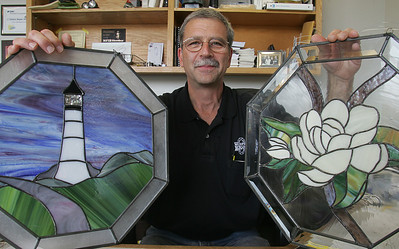 22OCT09   15 Minutes Joe Tony LaGrotteria of Murphy Bros Auto Body--and his hobby of making stained glass windows.  photo by Chuck Humel