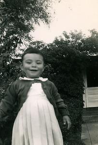1953-02-kats-in-the-yard