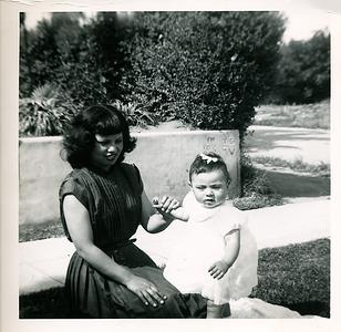 1951-mom-baby-kathie01