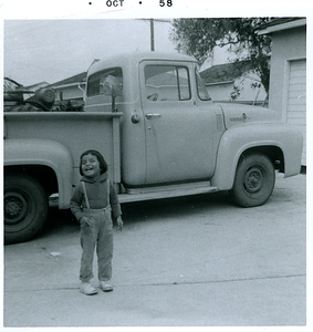 1958-10-mich-next-to-truck