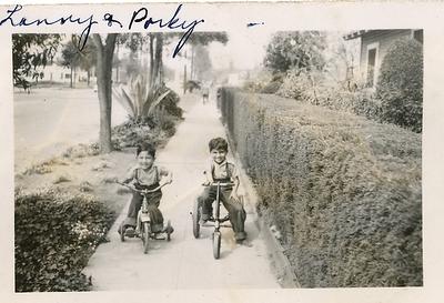 1950s-reyes-grandkids-lenny-n-porky