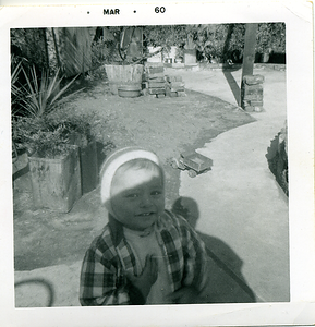 1960-03-joe-in-the-backyard1