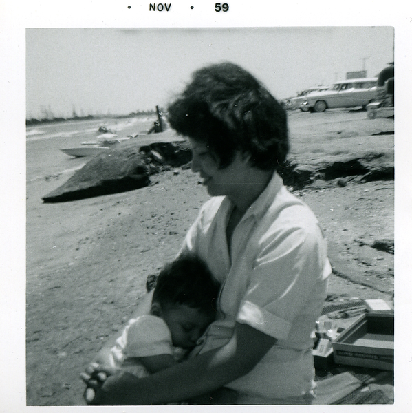 1959-11-mom-n-me-on-the-beach
