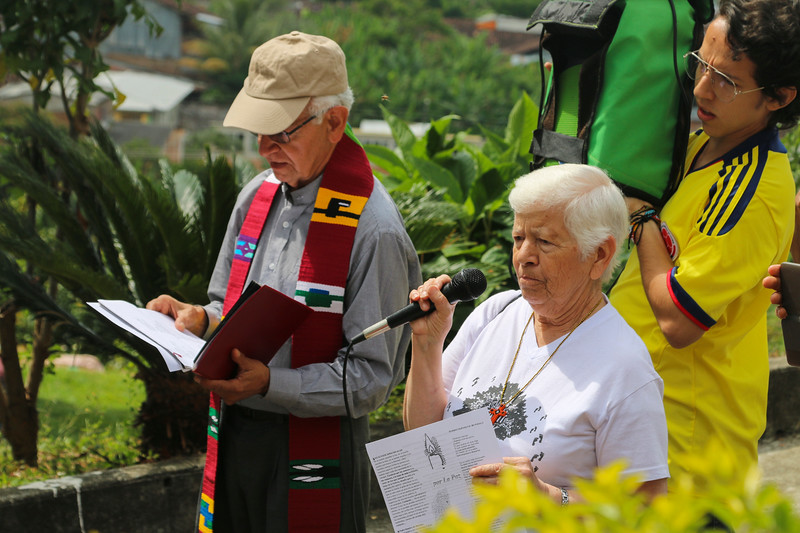 Father Javier Giraldo has historically accompanied Trujillo's fight for memory and justice. The peregrination began with prayers given up to the victims.