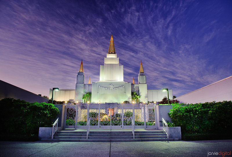 Oakland California LDS Temple - Early morning twilight