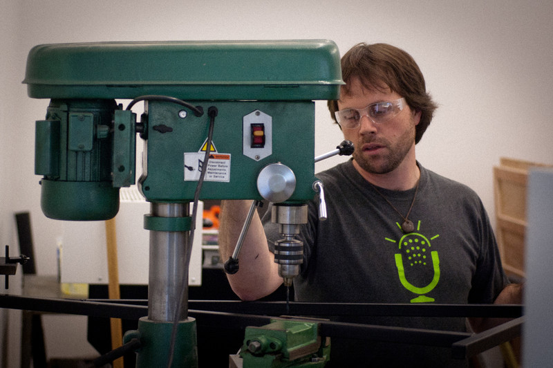 Lyle teaching in the Rapid ProtoTyping Lab