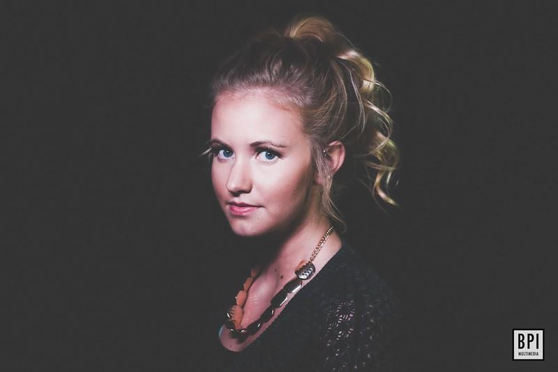 Sophie Lange LED'ed