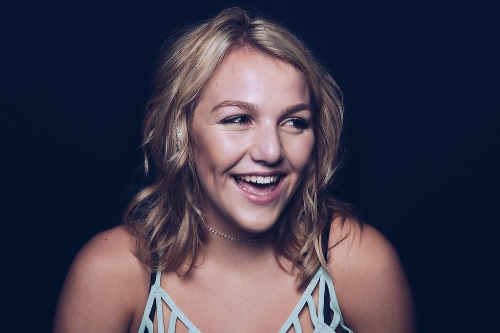 Seniors 2017 - Ellie Kadavy