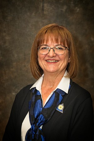 2019-06-10 DG Sarah Cabinet-KK-3