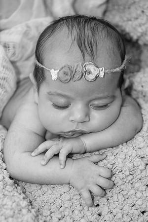 2021 6 10 EDIT BW Baby Livia -4683