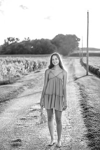 2021 EDIT LIZ-5I2A2098BW-Edit