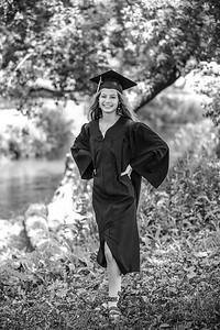 2021 EDIT BW Senior Megan--7