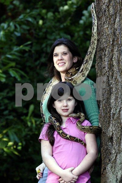 Snake & mother daughter 2878