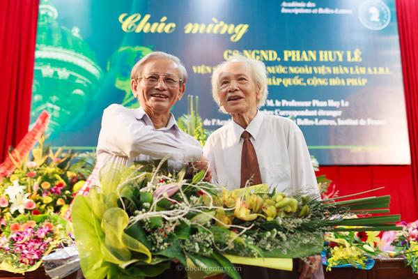 GS Phan Huy Lê và GS Đinh Xuân Lâm